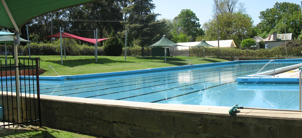 Image: Castlemaine outdoor swimming pool  Link to child page: Swimming pools